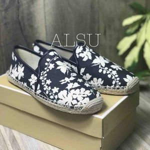 Michael Kors Hastings Espadrille Canvas Navy White